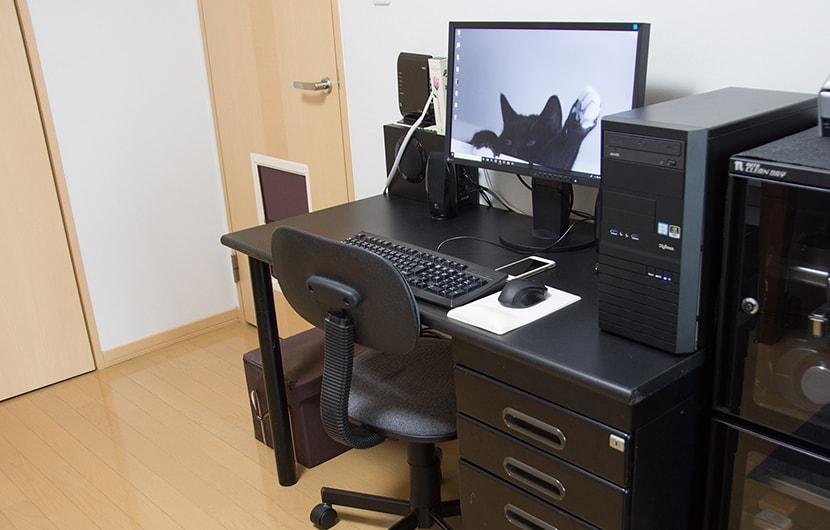 普通のオフィスチェア